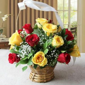 Buy Red And Yellow Roses In A Basket Online Send Gifts To India In 2020 Online Flower Delivery Red And Yellow Roses Flower Delivery