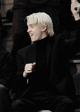 Draco x Reader Draco Harry Potter, Mundo Harry Potter, Harry Potter Draco Malfoy, Harry Potter Characters, Draco Malfoy Fanfiction, Severus Snape, Fictional Characters, Draco Malfoy Aesthetic, Slytherin Aesthetic