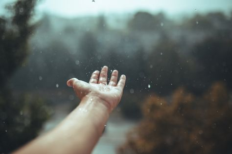 500px » How To Photograph Hands For Your Next #HandsInFrame