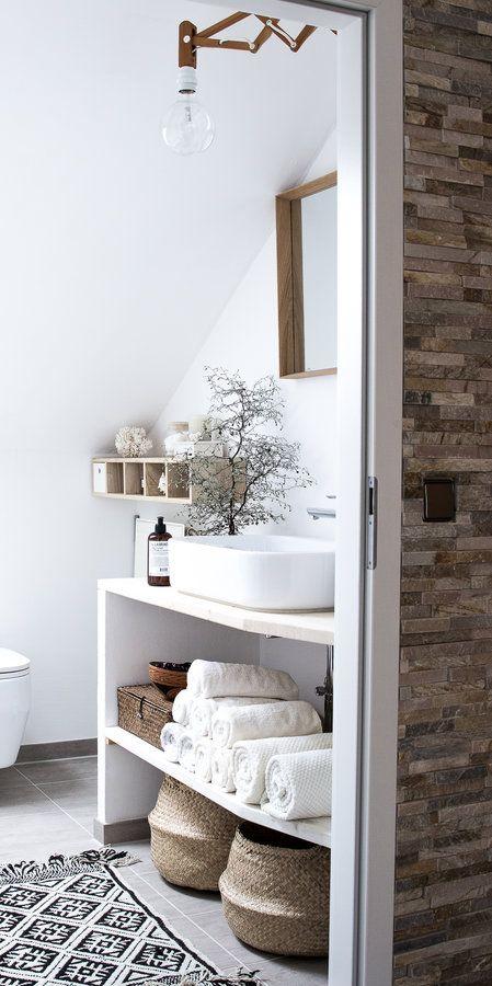 Wenn ihr euch gerne Vorher-Naher Bilder anschaut, solltet ihr heute mal auf meinem Blog vorbeischauen, dort zeige ich euch, wie unser Badezimmer vor der Renovie