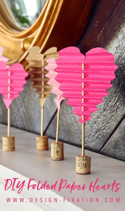 DIY Folded Paper Hearts For Valentine's Day – #Day #DIY #folded #hearts #paper - Paper Diy