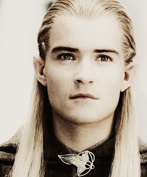 Orlando Bloom as Legolas in LOTR- This pic really shows Orlando's gorgeous eyes! They're so beautiful