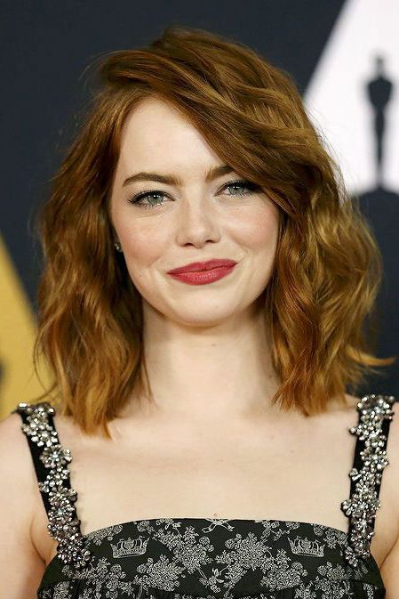 Medium Length Hairstyles We Re Loving Right Now Emma Stone Hair Oval Face Hairstyles Medium Length Hair Styles