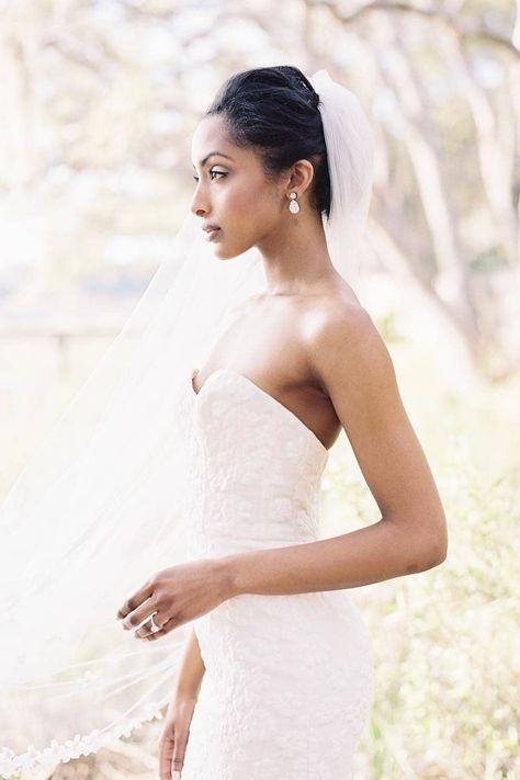 This bride's style sticks to an established set of attributes: quiet beauty, sophisticated details, and understated elegance. @erickelley captured bridal fashion done right. 🔥 #stylemepretty #weddingdress #weddinggown #weddinginspiration
