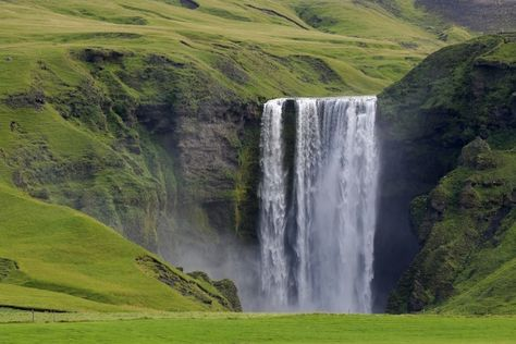 Extreme hiking in Iceland: the Laugavegur trail | Travel Feature
