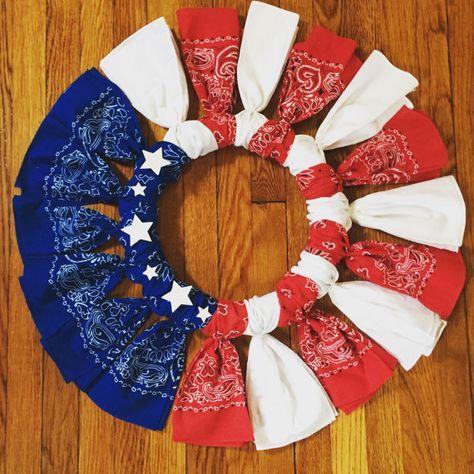 Guirnalda de bandera americana hecha a mano. Tela de pañuelo de alta calidad y materiales. Colores, colocación de estrella y la longitud se pueden personalizar.