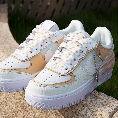 Unique Shoes, Trendy Shoes, Casual Shoes, Sneakers Fashion, Fashion Shoes, Style Fashion, Mens Fashion, Air Force One Shoes, Fly Shoes
