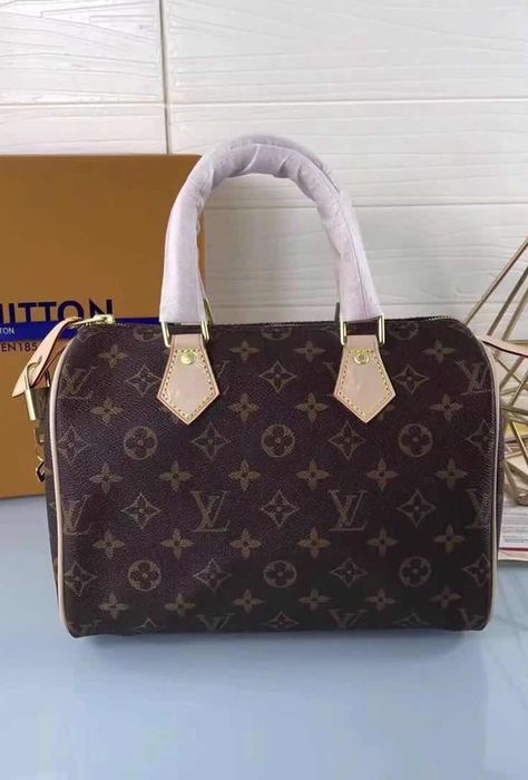 3ae6f5c9fff0 The Louis Vuitton Monogram Canvas Speedy 25 is a must-have  fashion practical accessory that will always deserve a special place in  your closet and in your ...