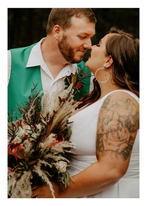 From the insanely gorgeous bouquets (Can't stop thinking about them!), to the ceremony and reception decor, to the colors (Screaming fall!), to the bride (I MEAN … all the heart eyes!!! #MissouriWedding #FallWedding #BohoChicWedding #BohoWedding #WeddingDetails #WeddingDress #WeddingFlorals #WeddingPortraits #WeddingFlowers #BrideandGroomPortraits #WeddingMakeup #WeddingHairstlyes