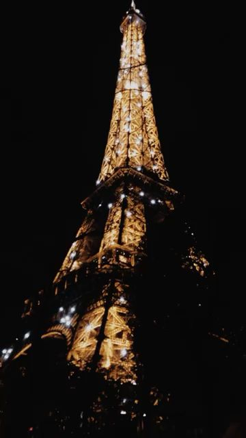 Eiffel Tower At Night Time Video Eiffel Tower At Night Paris Tour Eiffel Paris At Night