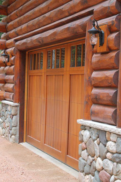 5 10 Hewn Cedar T G Sikkens L S 005 Natural Oak 072 Butternut Rustic Exterior Log Homes Exterior Lodges Design