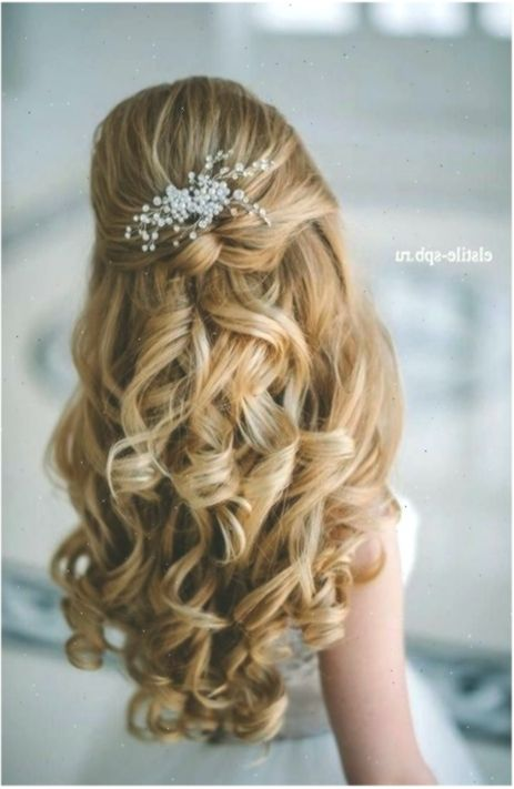 Frisuren Zur Konfirmation 2017 Frisuren Frisurenfestliche Hair Styles Medium Length Hair Styles Womens Hairstyles