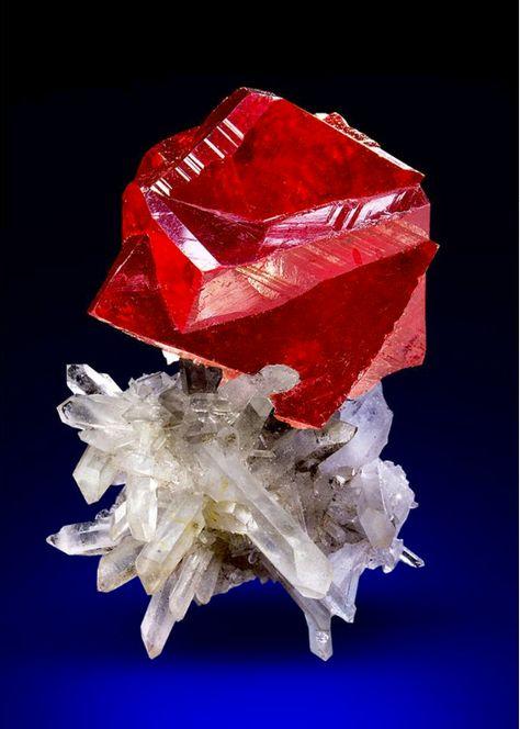 Cinnabar - Tongren Mine in China Size: 3.5 x 2.1 x 1.5 cm