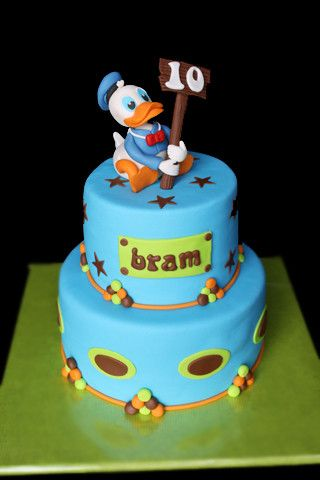 I think this cake is fabulous defiantly be having a try!! :)