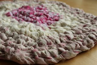 Amish knot rug tutorial.  Make this rug from recycled textiles found in your home.  No tools required, just your hands. Suitable for complete beginners.  If you can tie shoelaces you can make this rug!