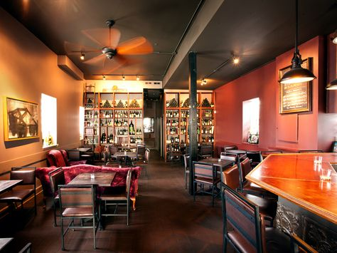 Wine Bars in the Windy City - Give me a glass!