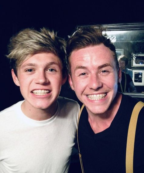"""Niall Horan Updates on Twitter: """"dannyjonesofficial: #tbt me and @/niallhoran with braces 🤟🏻 sorted out teeth riiiiiiight out!!!… """""""