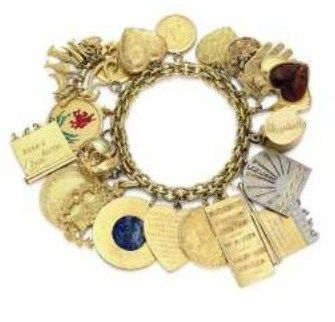 another bracelet from the Duchess of Windsor, she love all jewellery but  because of the large hands her preference was for bracelets , necklaces and brooches. instead of the  of rings.