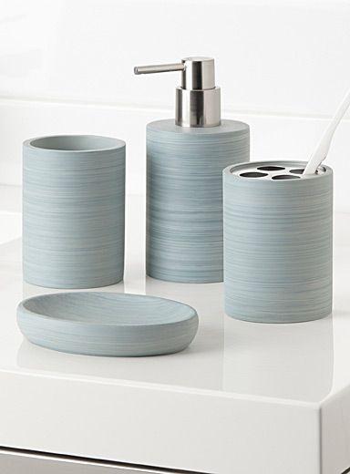 Je viens de renouveler nos accessoires de salle de bain en ...