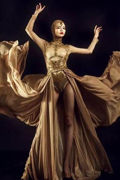 EGYPTIAN GODDESS Isis LAS VEGAS SHOWGIRL DANCER Gold Fabric  WINGS COSTUME New