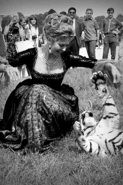 summers-in-hollywood:  Fay Wray, 1930s    Fay wray, Hollywood, Classic hollywood