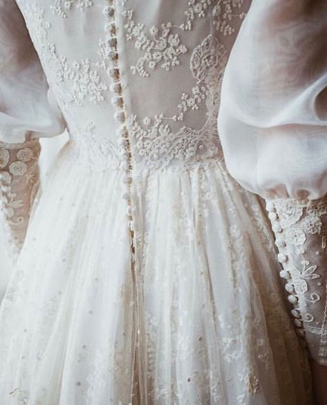 Charming Wedding Dresses,White A-line High Neck Bridal Gowns, Long Sleeves Bride - New ideas Modest Wedding Dresses, Bridal Dresses, Wedding Gowns, Wedding Hijab, Winter Dresses, Dress Winter, Dream Dress, Vintage Dresses, Beautiful Dresses