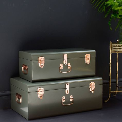 Suitcase Storage, Storage Trunk, Storage Boxes, Trunk Makeover, Black Leather Sofas, Trunks And Chests, Declutter Your Home, Decorative Storage, Aesthetic Bedroom
