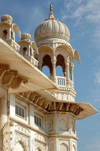 Majesty of Marwar, Jaswant Thada Palace, Jodhpur District, Rajasthan, India Mughal Architecture, Ancient Architecture, Beautiful Architecture, Art And Architecture, Jodhpur, Rajasthan Inde, Amazing India, India Travel, Tourism India