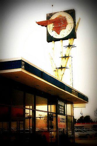 Vintage Pontiac Sign Valley Blvd El Monte Ca Old Gas Stations Vintage Neon Signs Vintage Signs