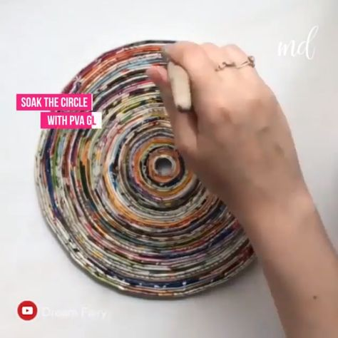 DIY Handmade Clock from recycled magazines By: @Dream Fairy