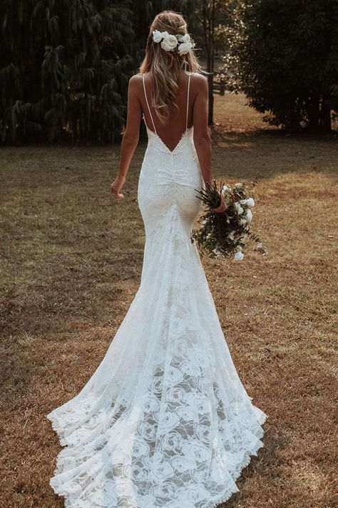 Wedding Dress Mermaid Lace, Wedding Dress Black, Boho Wedding Dress With Sleeves, Open Back Wedding Dress, Wedding Dress Trends, Country Wedding Dresses, Modest Wedding Dresses, Elegant Dresses, Spaghetti Strap Wedding Dress