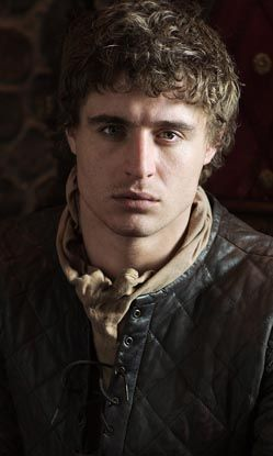 Max irons as King Edward IV, in the White Queen.
