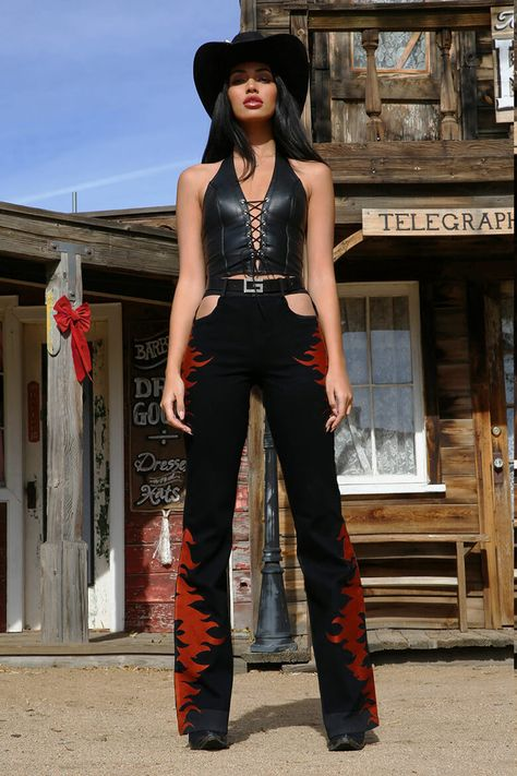 cowboys and cowgirls Shop Pants - Cowgirl Halloween Costume, Halloween Outfits, Couple Halloween, Halloween Inspo, Halloween Halloween, Vintage Halloween, Halloween Makeup, Mode Outfits, Fashion Outfits