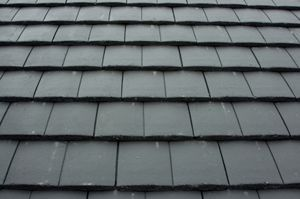 How To Deal With Roof Issues Easily Roof Maintenance Roofing Roofing Materials