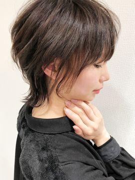 小顔になれるソフトレイヤーショート 耳かけレイヤーウルフ L028048088 フォンズ Fons のヘアカタログ ホットペッパー