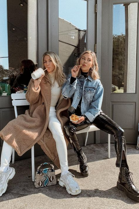 Outfit oversized cosy jacket with white jeans and latte top Outfit latex pants, black long sleeve tshirt with jeans jacket