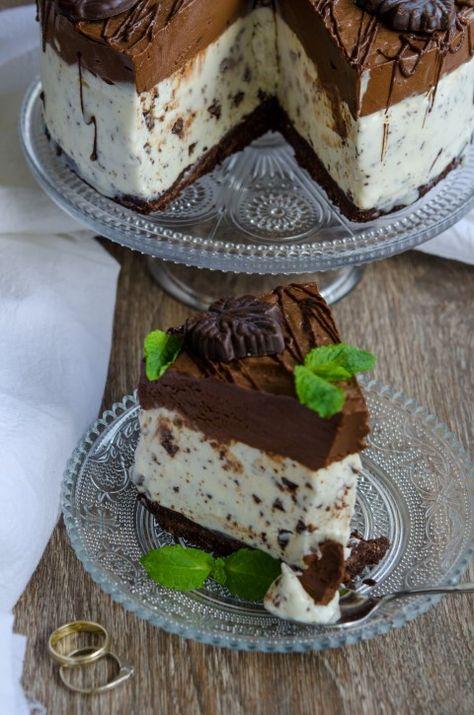 Tort de inghetata cu menta si ciocolata