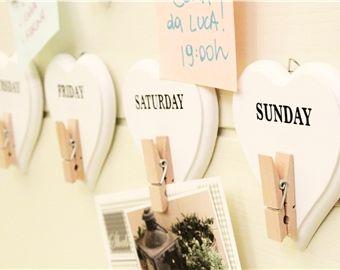Calendario settimanale cuori e mollette