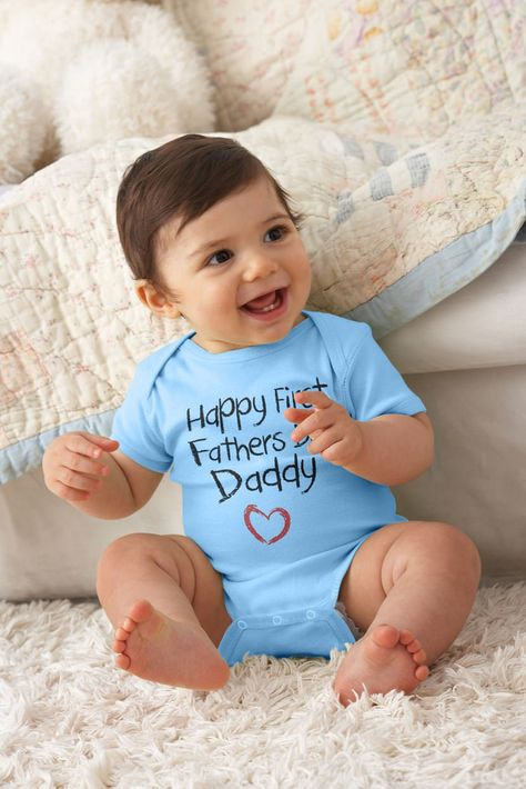 Amazon.com: Happy First Father's Day Gift Baby Onesie Mother Mom: Clothing