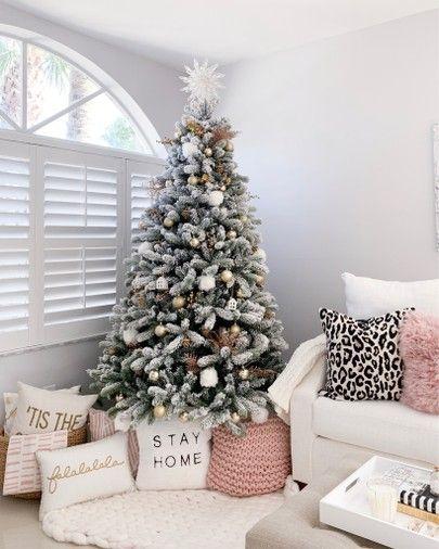 Pin By Belinda Selene On Christmas Christmas Decorations Bedroom Christmas Room White Christmas Tree Decorations