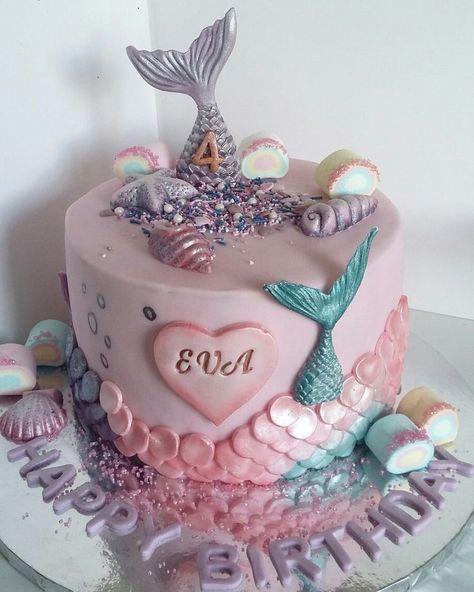 Meerjungfrau-Kuchen. Schimmernde Meerjungfrauschwänze und -schuppen prickelnder Eibisch   Cake With Name