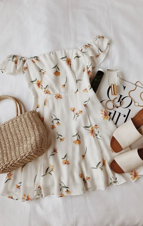 """spring dresses spring outfits outfit ideas ideas for spring womens fashion acc. - outfits , spring dresses spring outfits outfit ideas ideas for spring womens fashion accessories Source by """" , """" Mode Outfits, Casual Outfits, Fashion Outfits, Womens Fashion, Fashion Ideas, Fashion Trends, Dress Fashion, Fashion Clothes, Fashion Fashion"""
