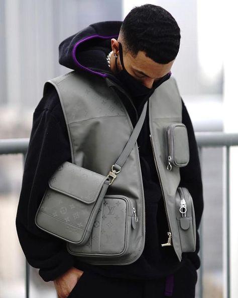#TREND   Utility Vest (o colete utilitário) é a nova peça hype do Streetwear – O Cara Fashion