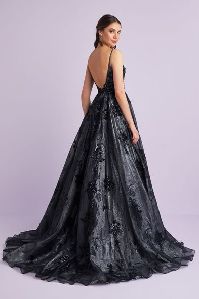 Vcp Siyah Ince Askili Tas Islemeli Uzun Abiye Elbise 1 Balo Elbiseleri Sirti Acik Elbiseler The Dress