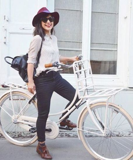 What These 5 Fashion Bloggers Wear To Ride Their Bikes In 2020 Biking Outfit Bike Riding Outfit Bicycle Chic