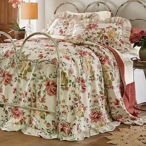 Beautiful Floral Print Bedspread And Sham Have Romantic Layered Ruffle Detailing And Reverse To Solid Beige Pure Comfort Bedding In 2019 Bed Spreads Flor