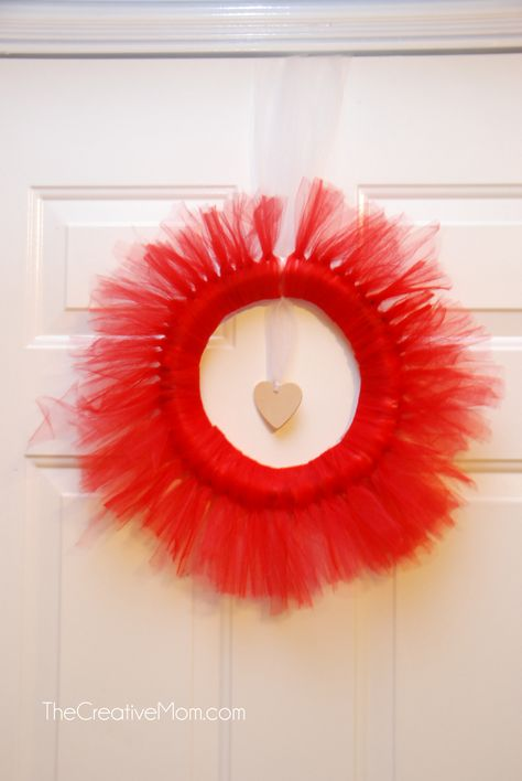 Tulle Wreath {tutorial}