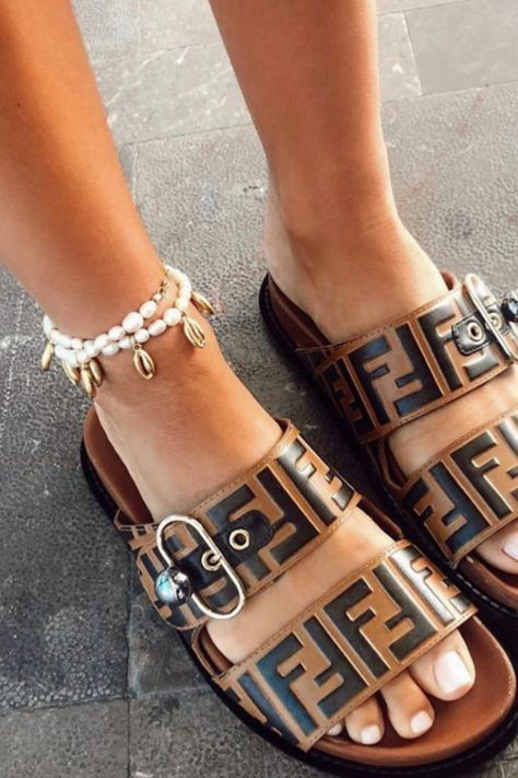Shells + pearls + anklets = summer trend central. All of these trends in one piece, what more could we ask for? Shop this Brinker  Eliza Blissed Out Anklet on Shop BAZAAR.