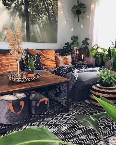 Boho Living Room, Home And Living, Black Living Rooms, Earthy Living Room, Black Rooms, Boho Room, Black Sofa Living Room Decor, Coffee Table Decor Living Room, Black Room Decor