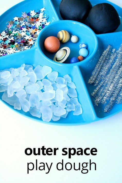 outer space party Kids can learn about the night sky and planets with this outer space play dough invitation for preschool and kindergarten. Space Theme Preschool, Preschool Science, Space Activities For Kids, Planets Preschool, Outer Space Crafts For Kids, Daily Activities, Preschool Seasons, Health Activities, Preschool Crafts